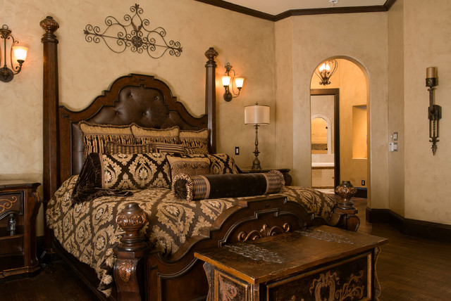 Beautiful spanish style home for Mediterranean style bedroom furniture