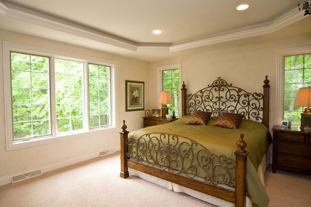 Bed traditional-bedroom