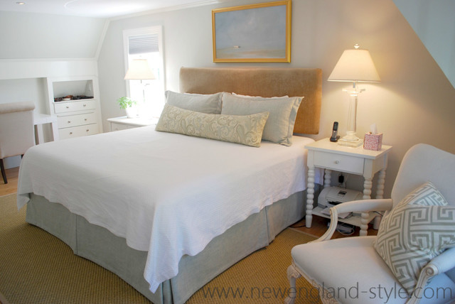 Bedding newengland traditional bedroom for New england style bedroom