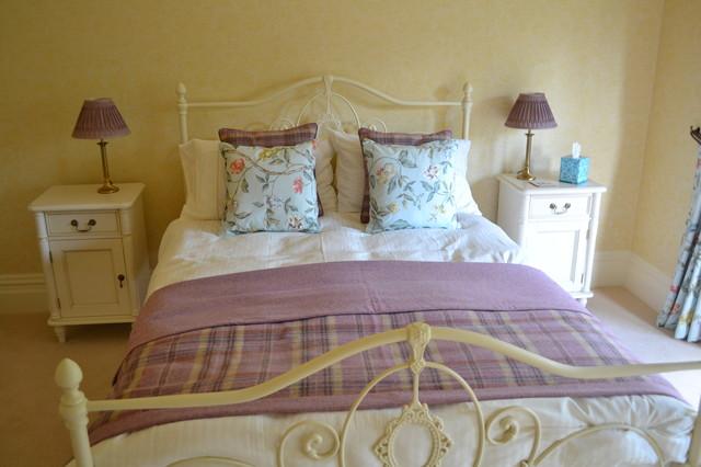 Shabby chic bedroom accessories uk