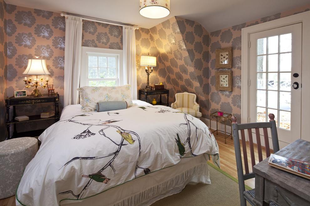 Bedroom - traditional medium tone wood floor bedroom idea in Minneapolis with beige walls