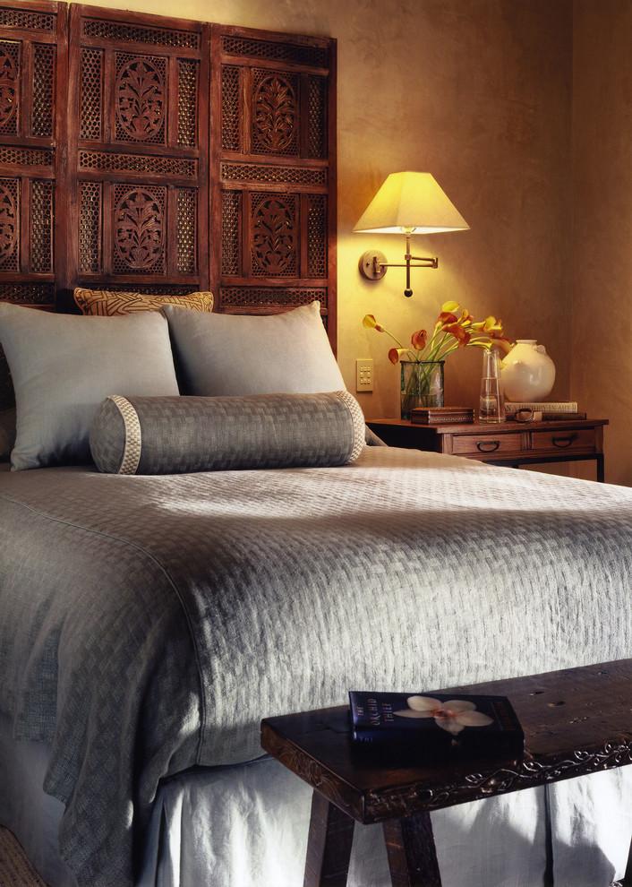 Bedroom - asian bedroom idea in San Francisco with beige walls