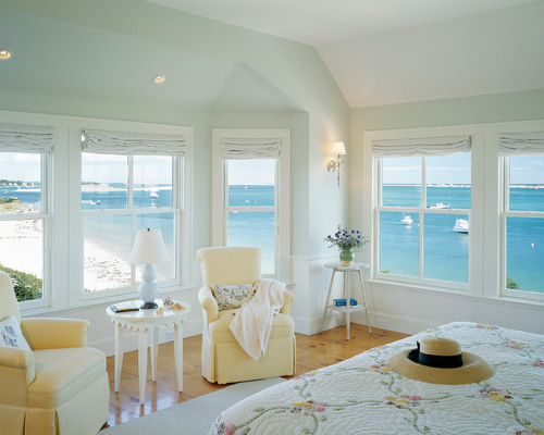 Traditional beach house bedroom