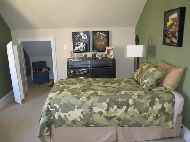 bedroom with secret bookshelf closet traditional bedroom