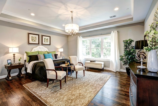 Bedrooms by Meridian Homes Inc. traditional-bedroom