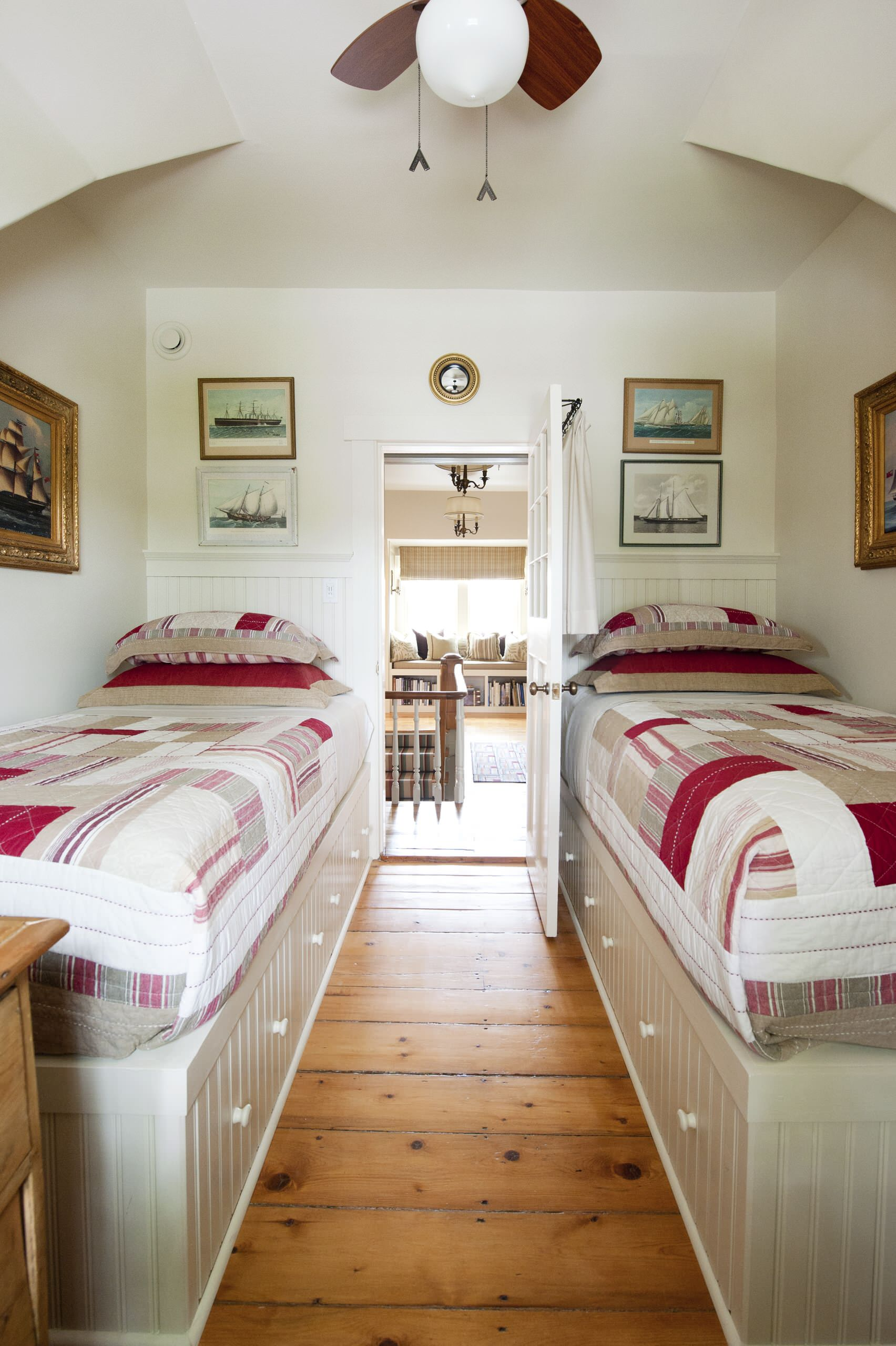 Bed For Small Bedroom Houzz