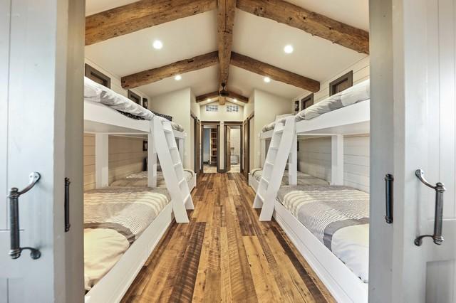 Beekman Creek Ranch farmhouse-bedroom