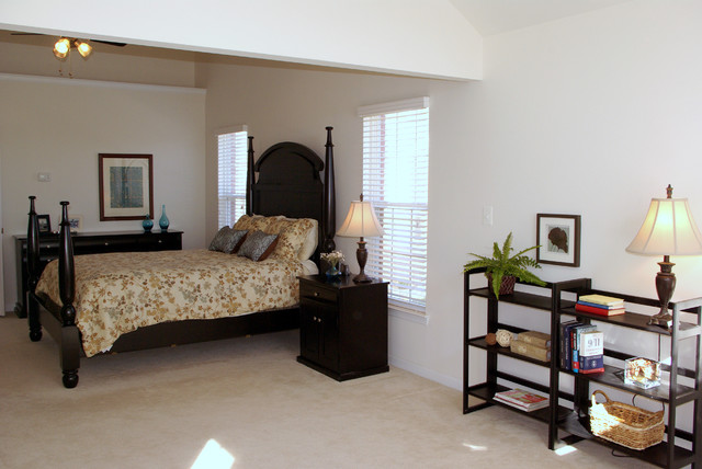 Belmont Country Club-Ashburn VA bedroom