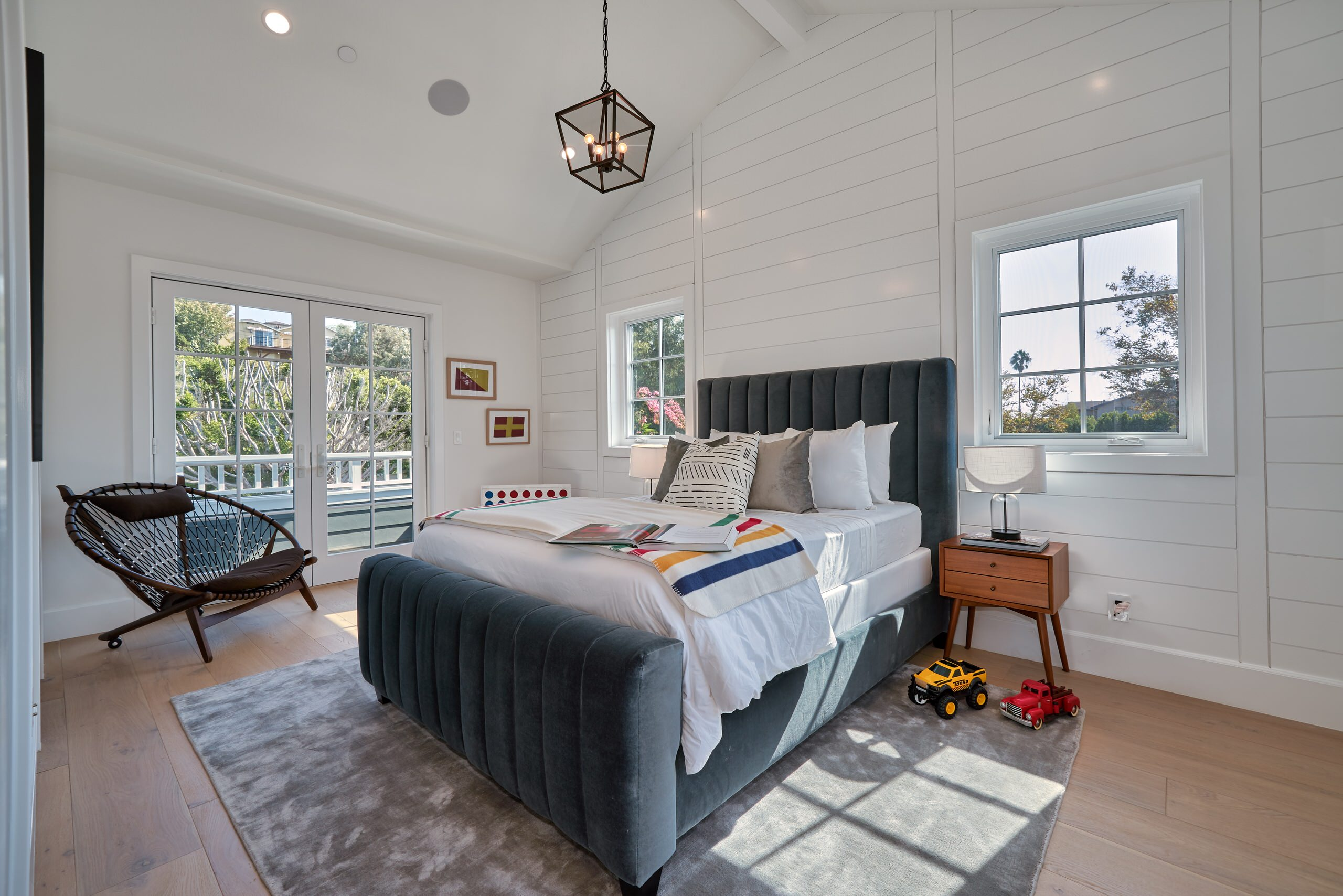 75 Beautiful Contemporary Guest Bedroom Pictures Ideas February 2021 Houzz