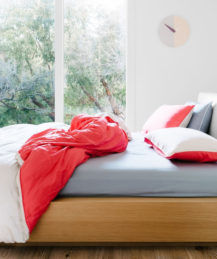 Design ideas for a contemporary bedroom in Melbourne.