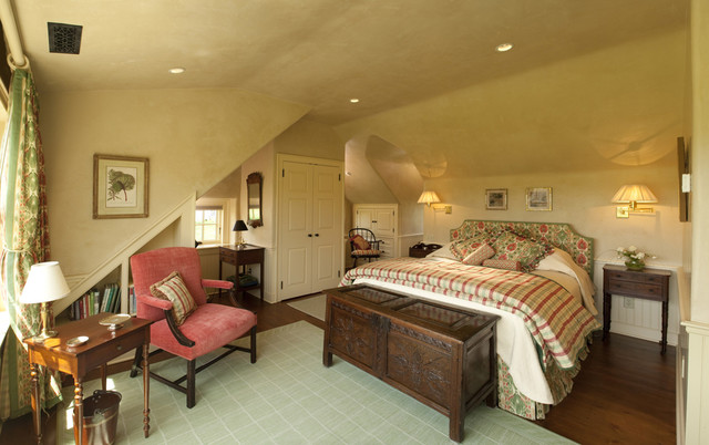 Black Walnut Farm Guest House traditional-bedroom