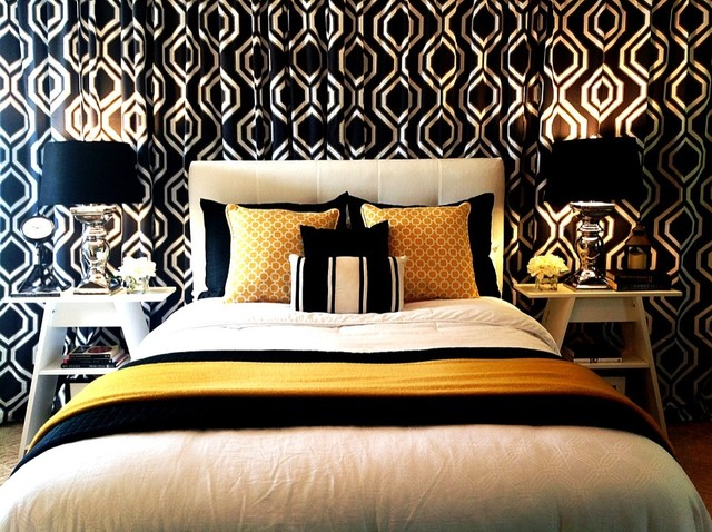 Black white and gold yellow bedroom with curtain for Black gold bedroom designs