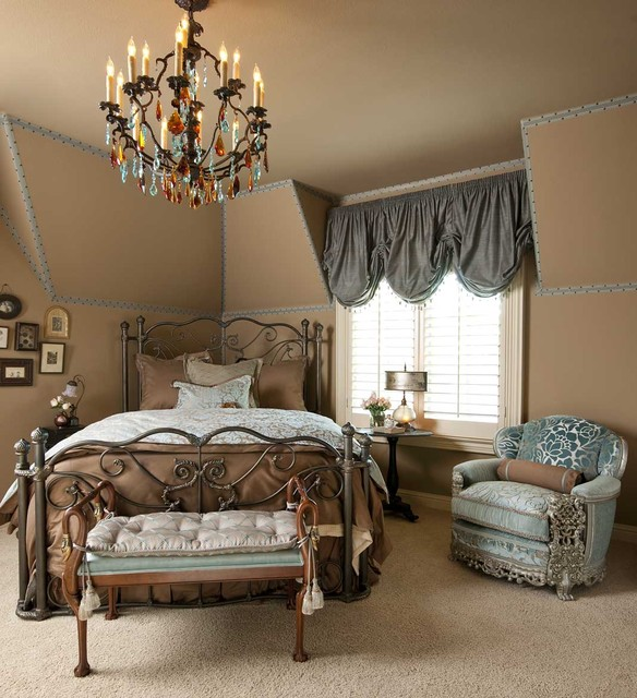 Blue And Beige Guest Bedroom Traditional Bedroom