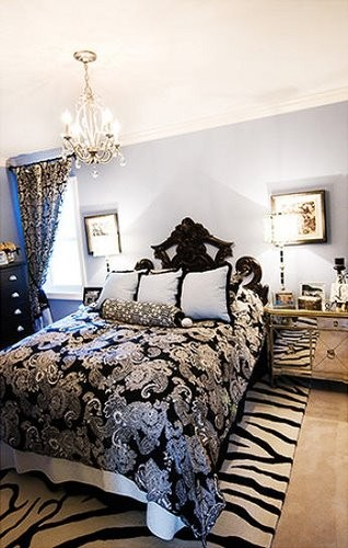 blue and black bedroom > pierpointsprings