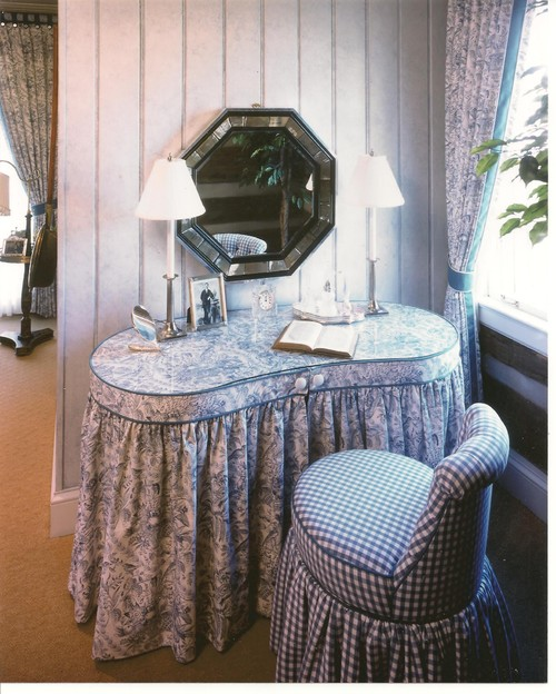 Looking To Buy A Skirted, Kidney Shaped Vanity Table Like This One.