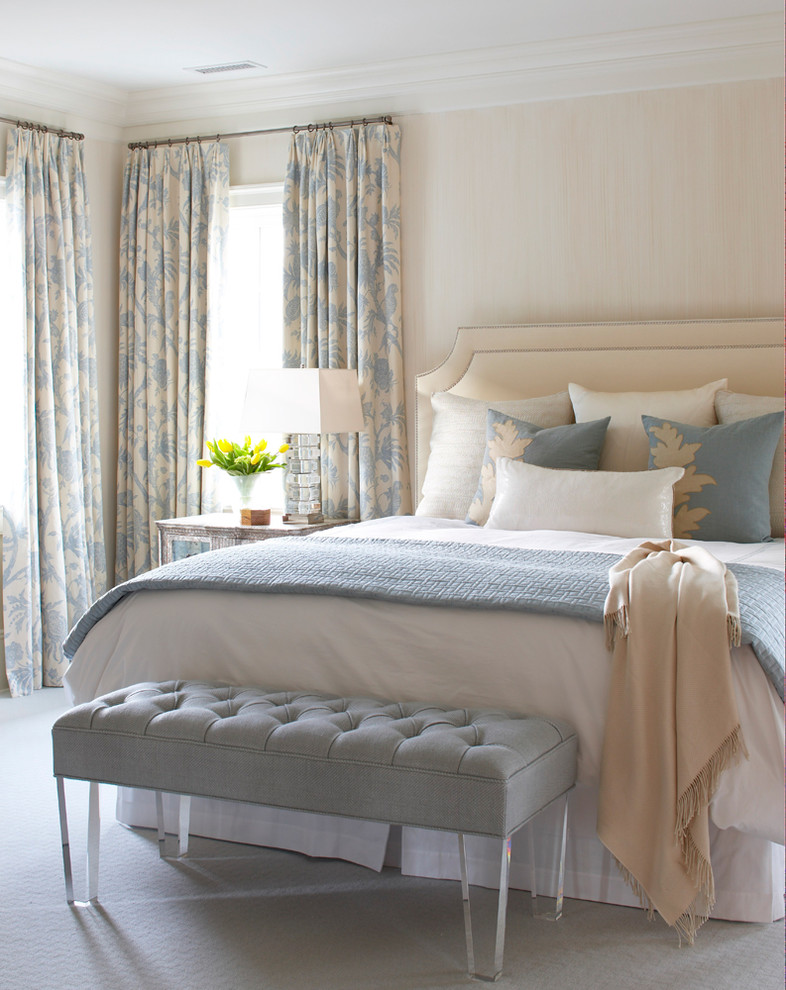 Coastal carpeted bedroom photo in New York with beige walls
