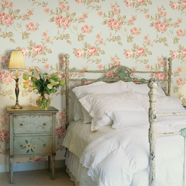 Merveilleux Blue Floral Wallpaper Traditional Bedroom