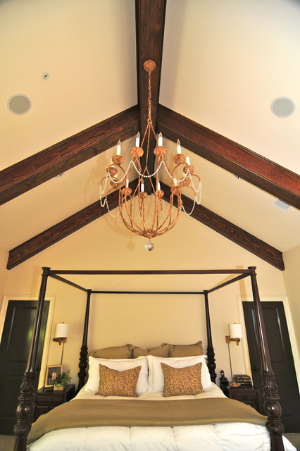 Blume traditional-bedroom