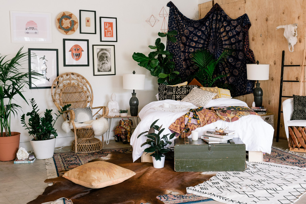 Bedroom - shabby-chic style bedroom idea in San Diego