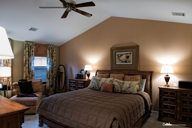 Bowie Beautiful traditional-bedroom