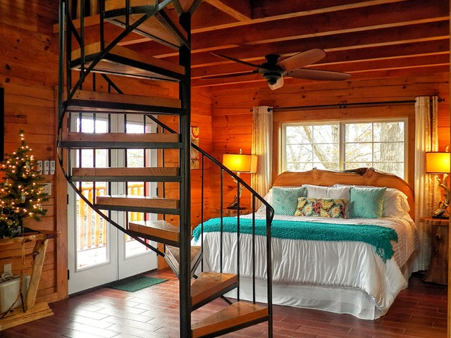 Branson Cedars Resort Treehouse Rustic Bedroom Grand
