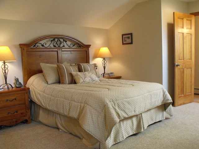 Bretton Woods Forest Cottage, Carroll NH - Traditional - Bedroom ...
