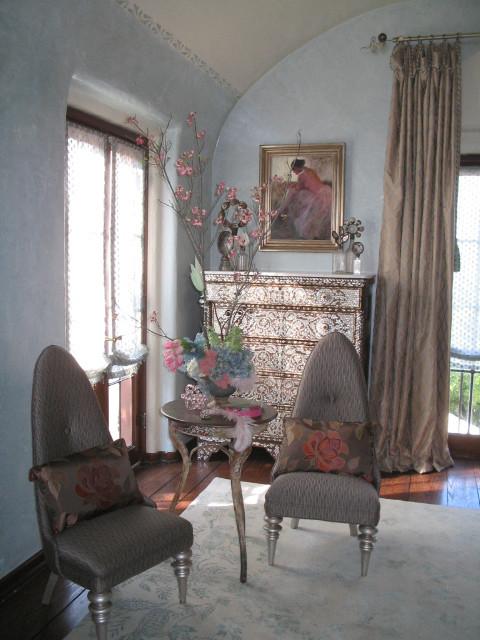 Bridge Design Studio traditional-bedroom