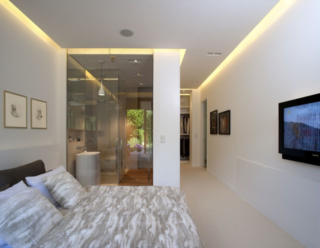 Bright aparment contemporary-bedroom