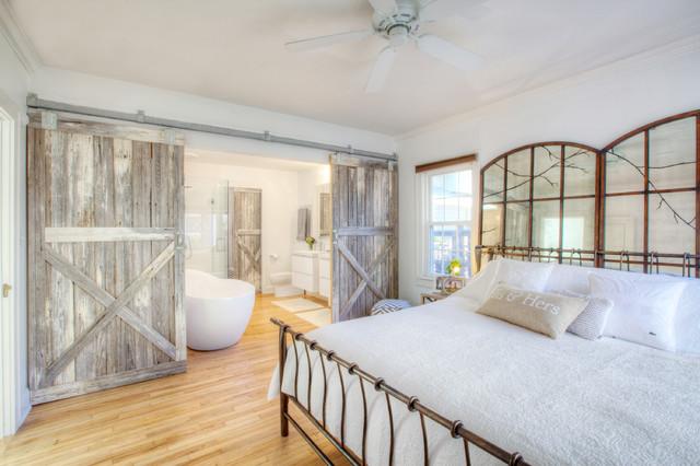 Broad Ripple Bungalow Landhausstil Schlafzimmer
