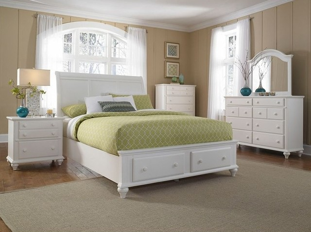 Broyhill hayden place california king storage sleigh bed for Places to get bedroom sets