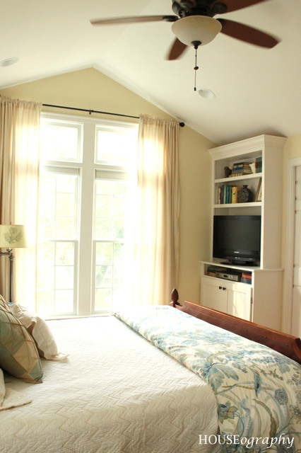Built-in Bookshelves in our Master Bedroom - TV with cabinets below ...
