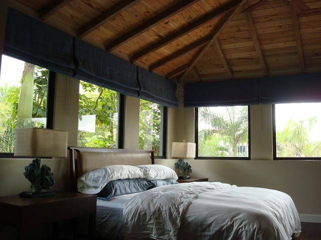 bungalow hideaway bedroom