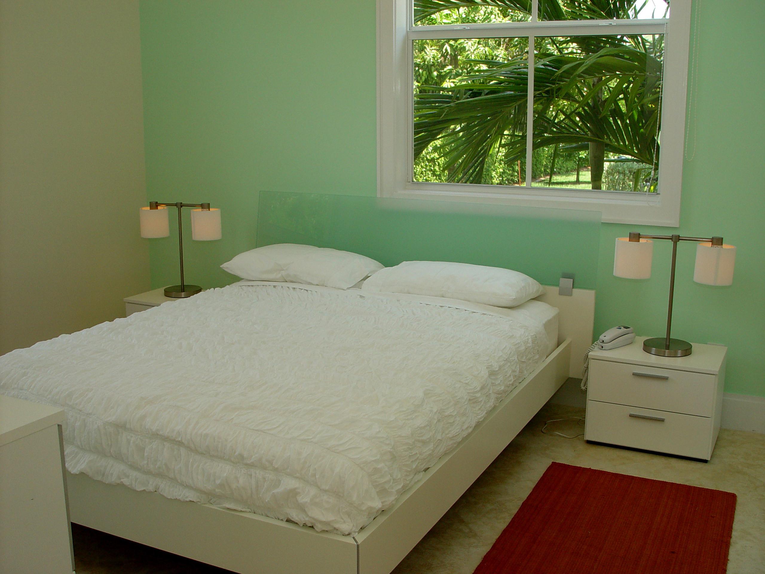 75 Beautiful Green Marble Floor Bedroom Pictures Ideas December 2020 Houzz