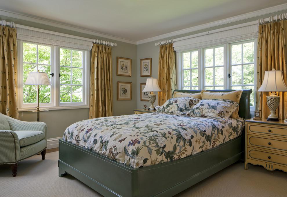 Bedroom - traditional bedroom idea in San Francisco