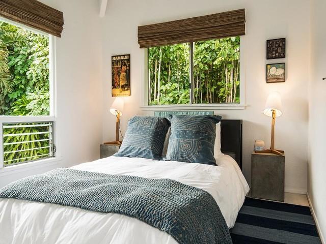 CAMP MAGIC beach-style-bedroom