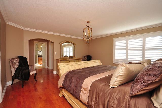 Canonridge Circle traditional-bedroom