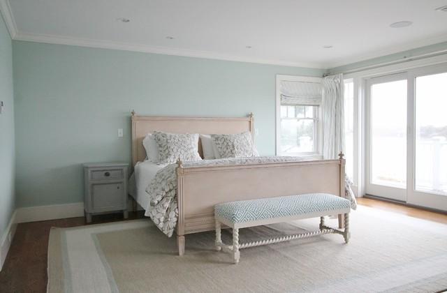 Cape cod beach house interior design beach style for Cape cod style bedroom furniture