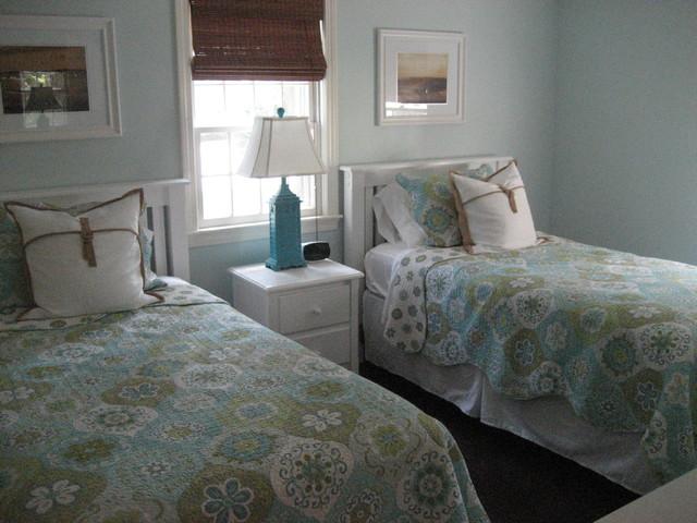 Cape cod for Cape cod bedroom designs