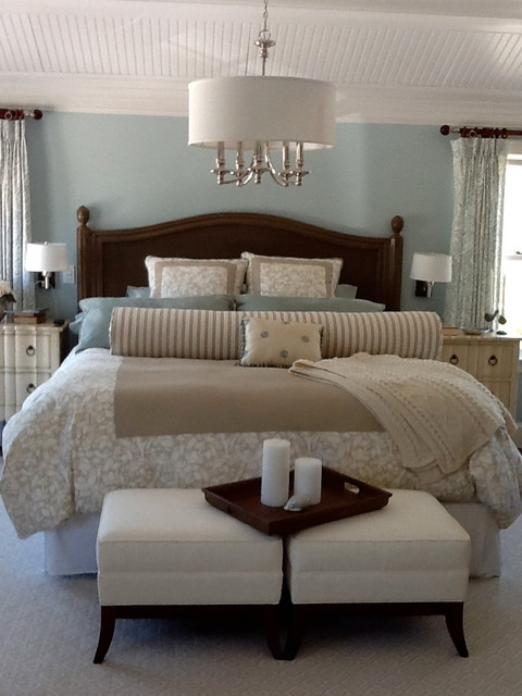 Cape cod retreat home for Cape cod style bedroom ideas