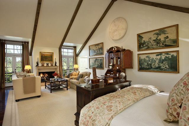 Cape cod west traditional bedroom los angeles by for Cape cod upstairs bedroom ideas