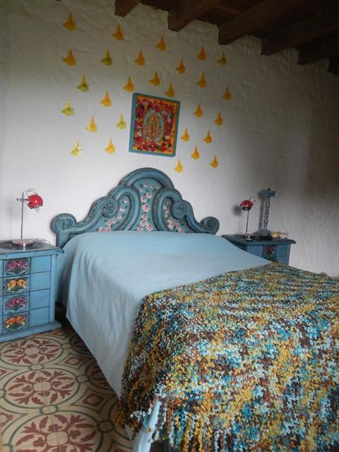 casa de campo andina eclectic-bedroom