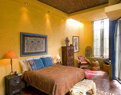 Casa de Cocinas eclectic-bedroom