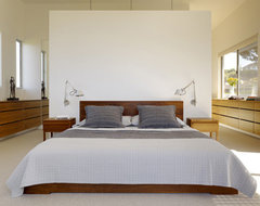 CCS ARCHITECTURE modern-bedroom