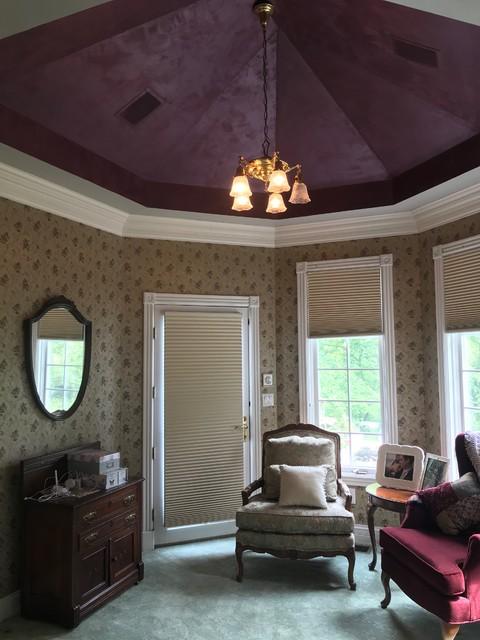 Inspiration for a victorian bedroom remodel in Cincinnati
