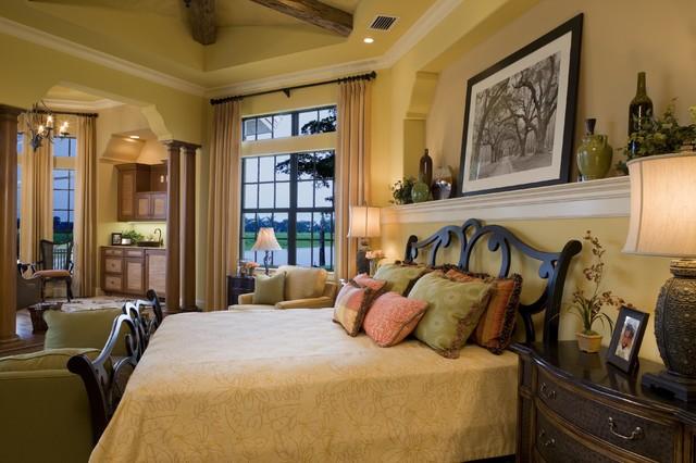 Cetona mediterranean-bedroom