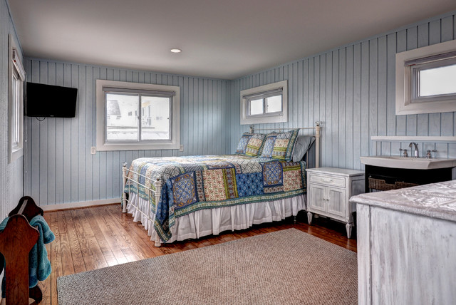 Charming Cottage Makeover beach-style-bedroom