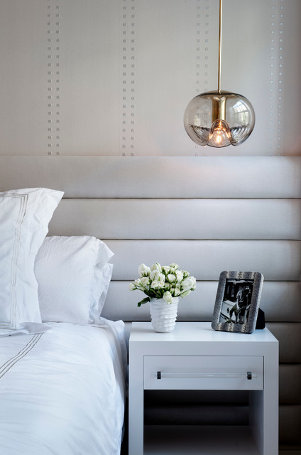 Inspiration for a contemporary master bedroom remodel in New York