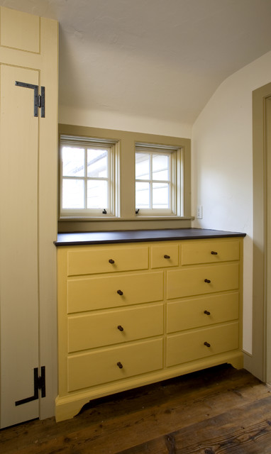 Chest of Drawers traditional-bedroom