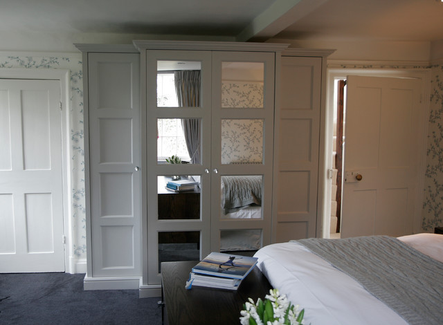 Chic georgian bedroom traditional bedroom south east for Georgian bedroom ideas