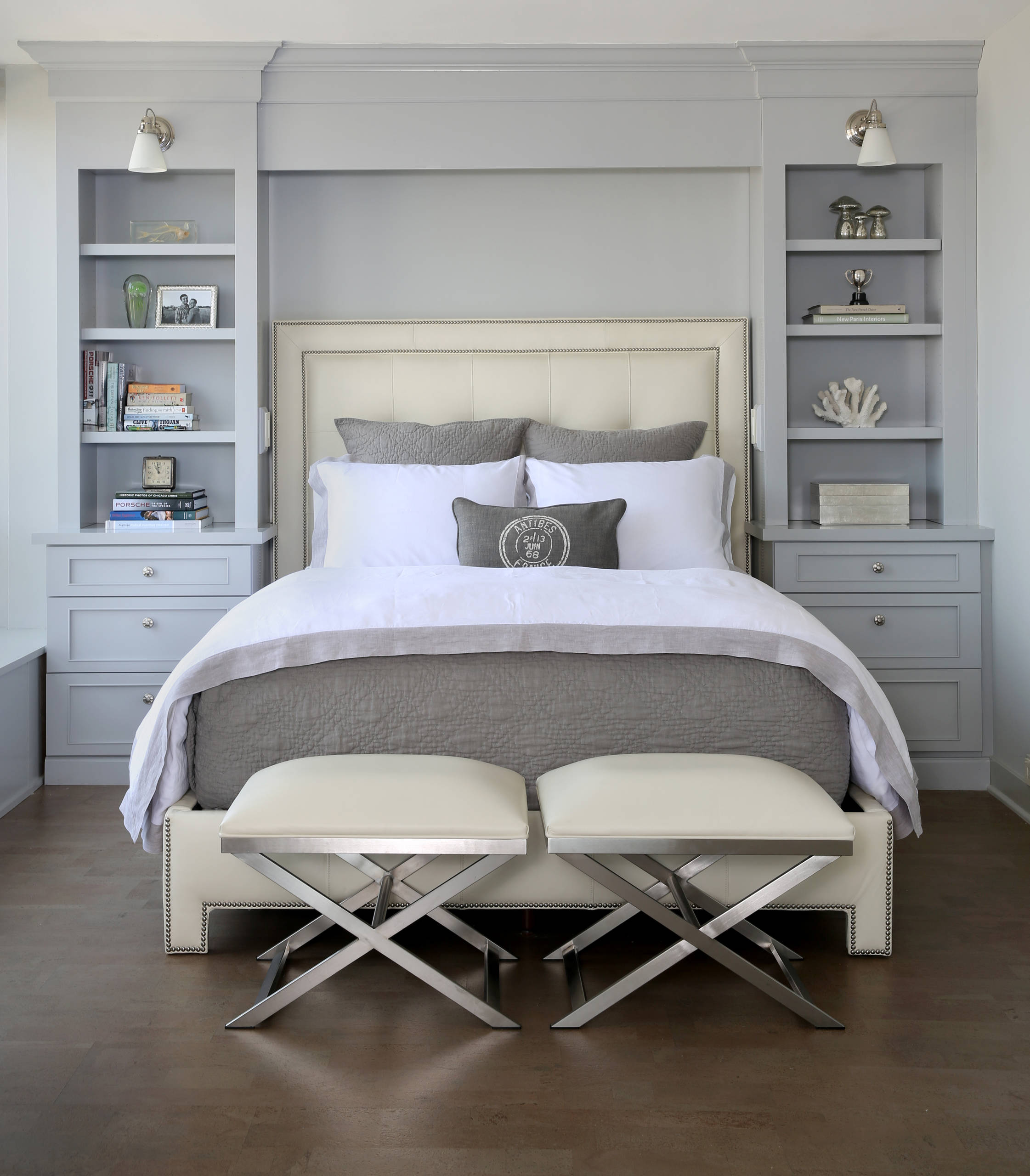 10 Beautiful Small Bedroom With Gray Walls Pictures & Ideas